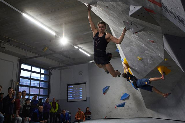 Tiba Vroom wint Boulder 4 - 2020. Foto Sytse van Slooten